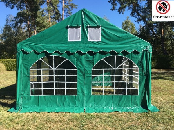 Giebelseite Fenster grün 4 m